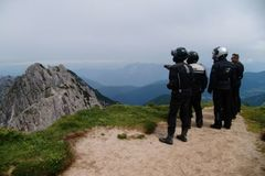 Reisen und Touren: 8 Tage Karnische und Venetische Alpen